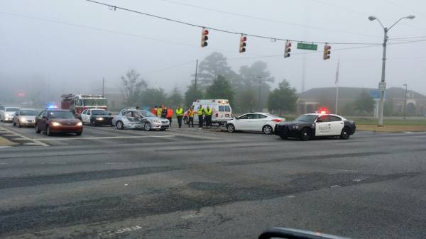 Two Vehicle Wreck on West Main at the Circle
