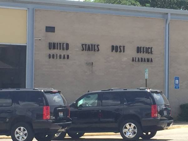 Dothan United States Post Office SCREW UPS