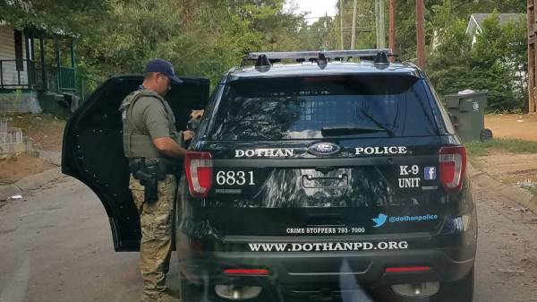 10:05 AM... Dothan Police in Foot Pursuit