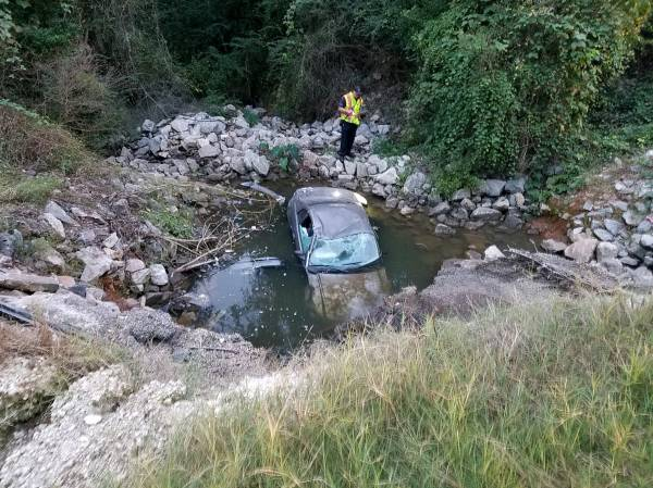UPDATED at 06:40 AM.    Taylor Road And Fern Drive Vehicle In Water