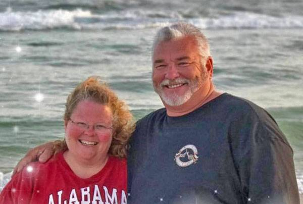 Local Man and His Wife Goes Above and Beyond for First Responders in Panama City