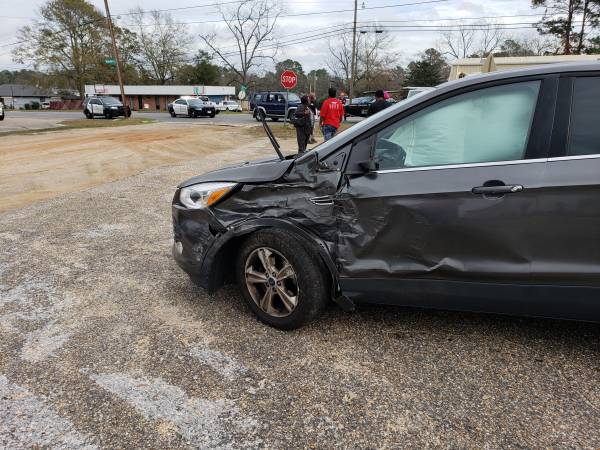 Motor Vehicle Accident at Reeves and Redoak