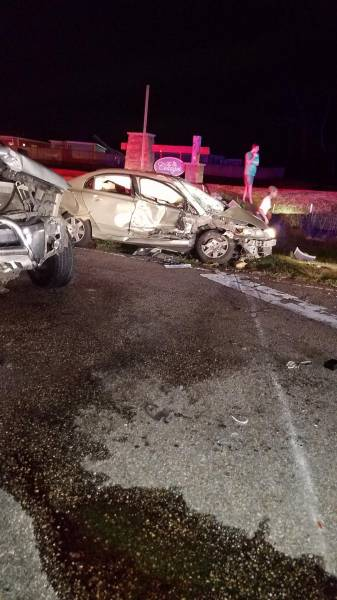 Heavy Damage To Vehicles In J B Chapman Road Wreck
