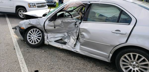 UPDATED 2/6/2019 at 8:00 AM  ...Motor Vehicle Accident on the Circle at Fairview Ave
