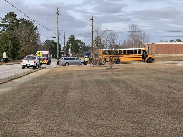 3:28 PM.   NO CHILDREN HURT - NO CHILDREN HURT  - Minor School Bus Wreck