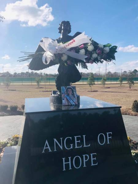 Remembering Whitney Devane At The Angel Of Hope