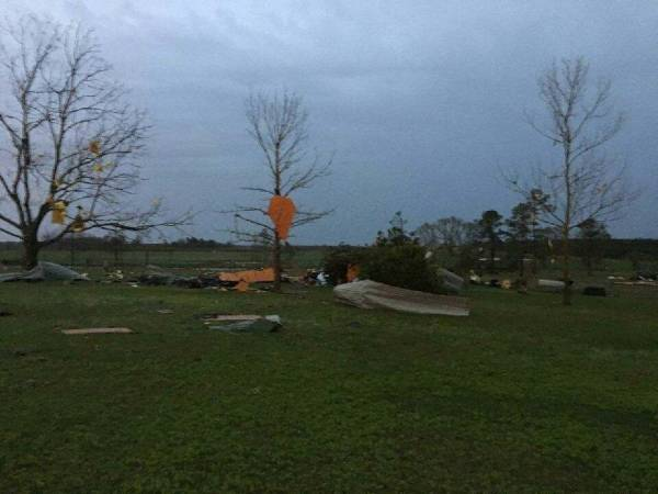 6:41 PM.  South Of Slocomb Damage Pictures