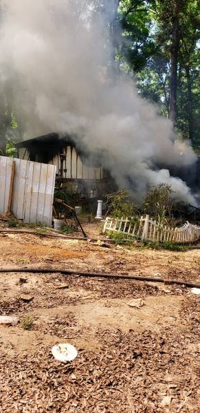 UPDATED at 5:45 PM    Bay Springs Structure Fire