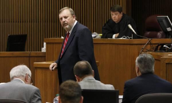 Longtime prosecutor Van Davis has passed away