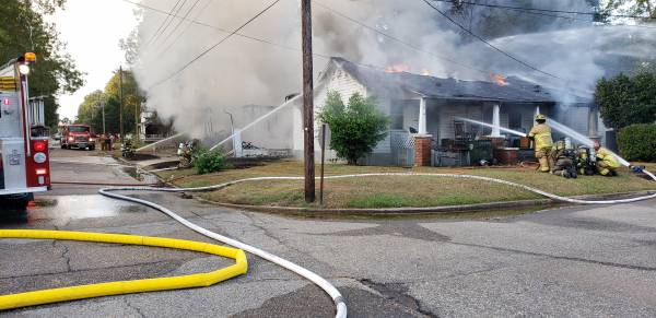 UPDATED @ 7:02 AM.  06:47 AM.  Structure Fire Reported Involving Two Houses In Hartford