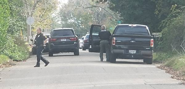 UPDATED @ 9:24  8:49 AM    DEVELOPING    Dothan Police On Scene Of Area Where Shots Fired