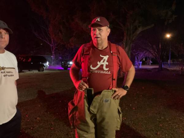 7:52 PM     Alabama Fans Who Are Kinsey Volunteer Fireman Leave Game For Duty