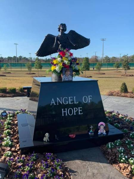 Dothan's Angel Of Hope Reaches Out To Grieving Parents In Buffalo, Missouri