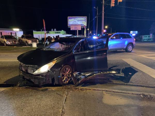 UPDATED @ 8:47 PM     8:00 PM... Suspect Flees and Causes a Wreck at Oates and Selma