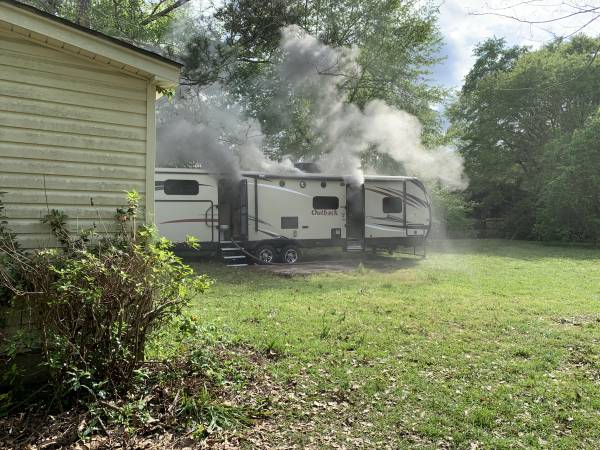 UPDATED w/Video 4:04 PM.   Structure Fire On Mohican Avenue Dothan