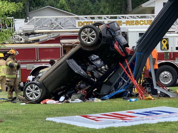 UPDATED @ 3:51 PM.  1:44 PM.  One Car Accident With Entrapment Cottonwood Road