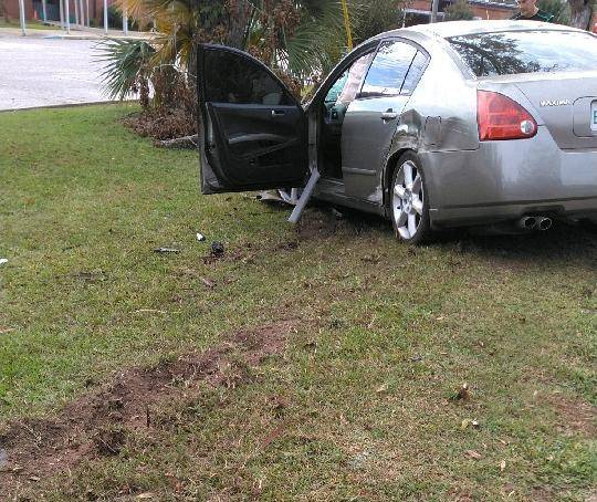9:01 AM Motor Vehicle Accident in the 600 Block of Houston Street