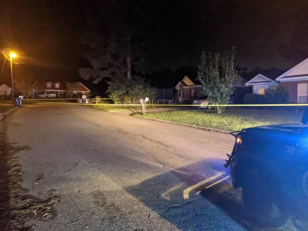 UPDATED @ 2:36 AM.  2:10 AM.    Homeowner Shoots An Apparent Burglary Suspect - KINSEY