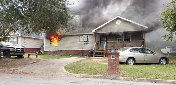 UPDATED at 12:25 PM... Working Structure Fire in the 300 Block of North Edgewood