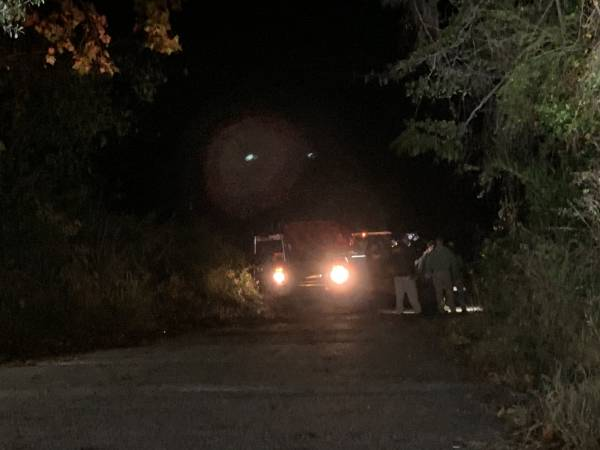 UPDATED at 12:15 AM.  Possible Vehicle in the water at Gordon Boat Landing