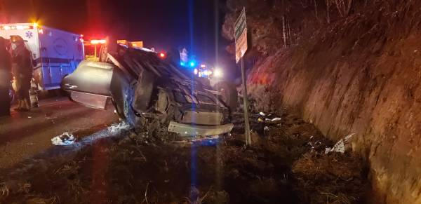 1:20 AM.. Vehicle Overturned on Moffett Road