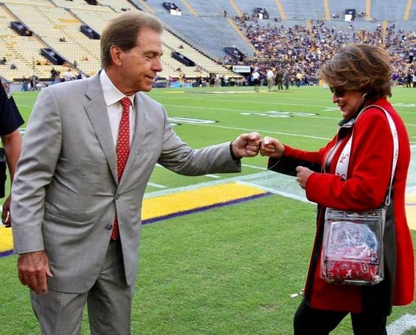 A Great Story - A Great Marriage - Roll Tide