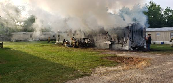 6:54 AM.. Structure Fire at 50 Daisy Lane - Taylor