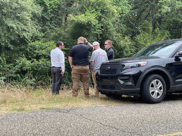 UPDATED @ 5:13 PM   4:52 PM.   Dale Countyy Sheriff Department Found A Deceased Body In The Woods