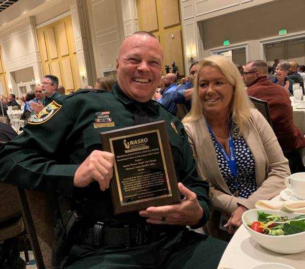 OCSO School resource Officer Received a National Award for his