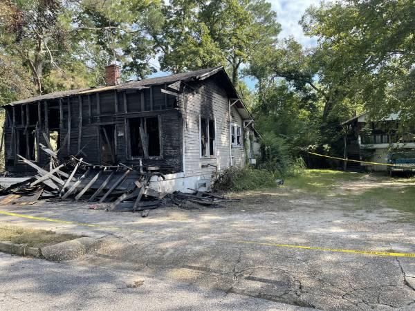 4:23 PM   Early Morning Fire Destroys A West Washington Street Home